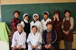 矢塚分校を運営する地元のお母さん方